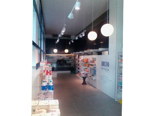empresa-reformas-en-pamplona-farmacia