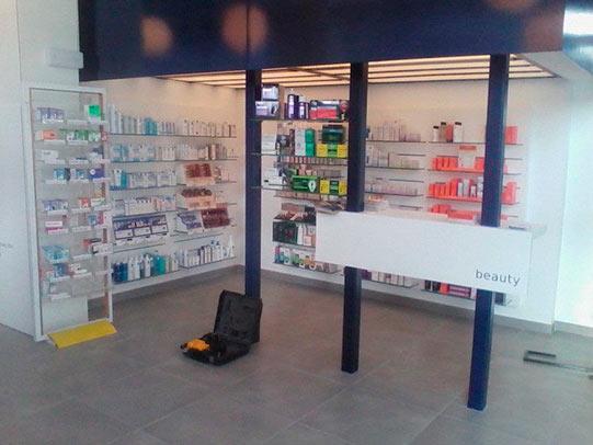 empresa reformas pamplona farmacia